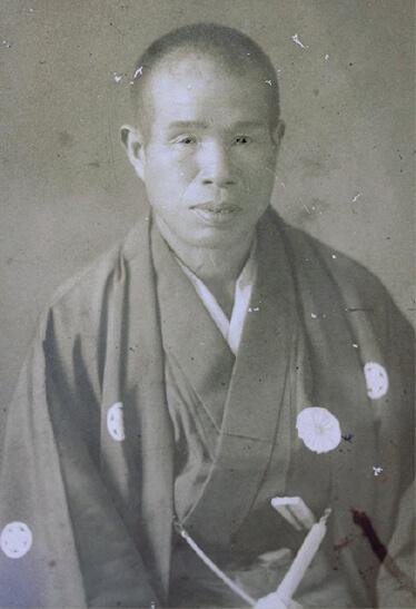 初代・山岸宇三郎氏。竹を使った釣竿製造をはじめ、竹製品の海外輸出も行っていた