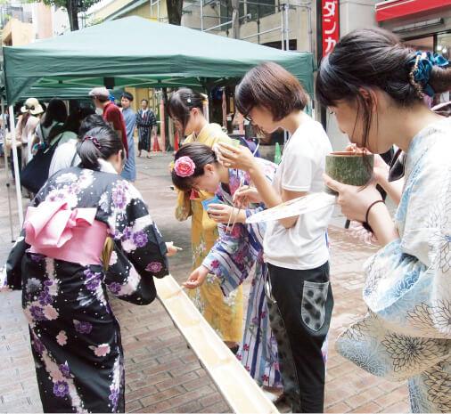 昨年7月末には「ゆかた祭」(主催:熊本商工会議所、熊本市中心商店街等連合協議会)も例年どおり行った