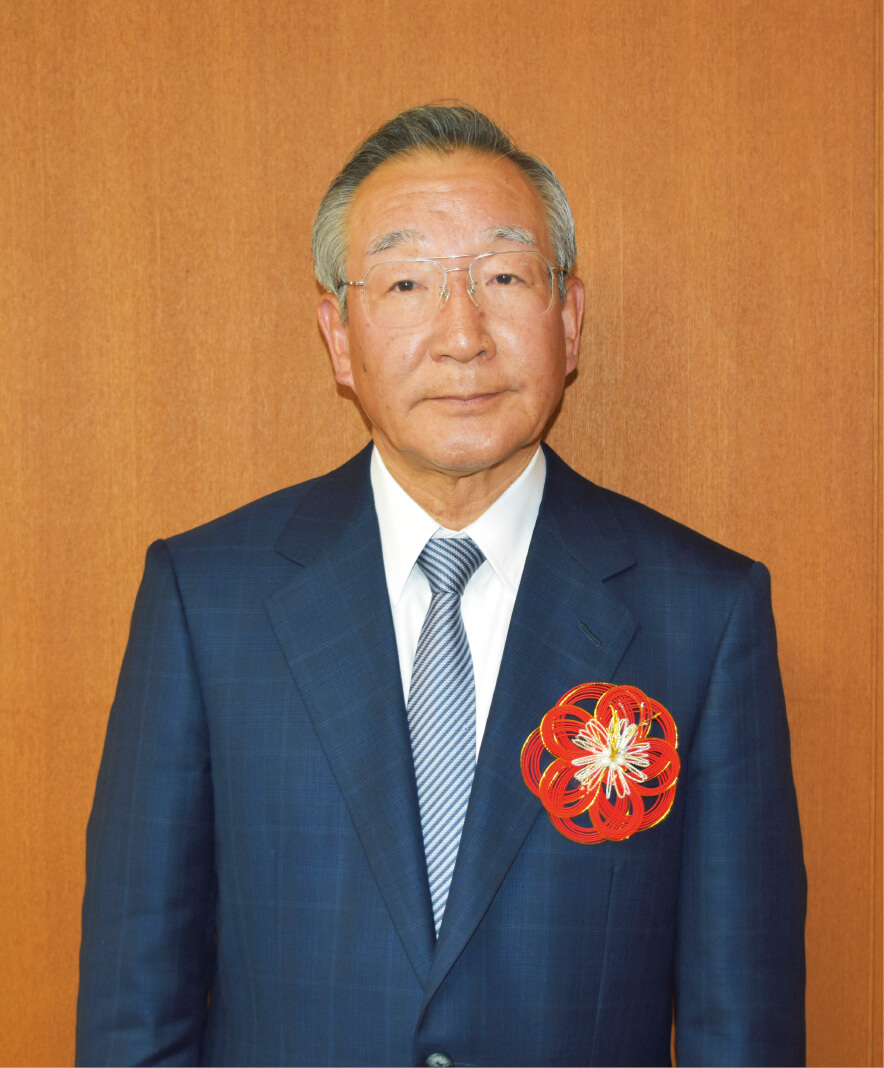 四国中央商工会議所会頭 井上 治郎 氏 胸に付けているのは、本市の伝統工芸である水引でつくった胸章。全国への普及を図っている