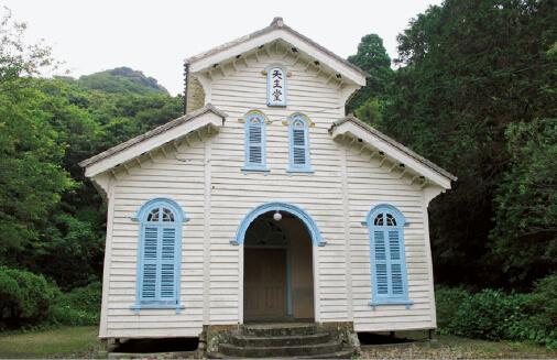 国指定重要文化財で「長崎と天草地方の潜伏キリシタン関連遺産」の「江上天主堂」 ※写真掲載に当たっては大司教区の許可をいただいています。 ©長崎県観光連盟