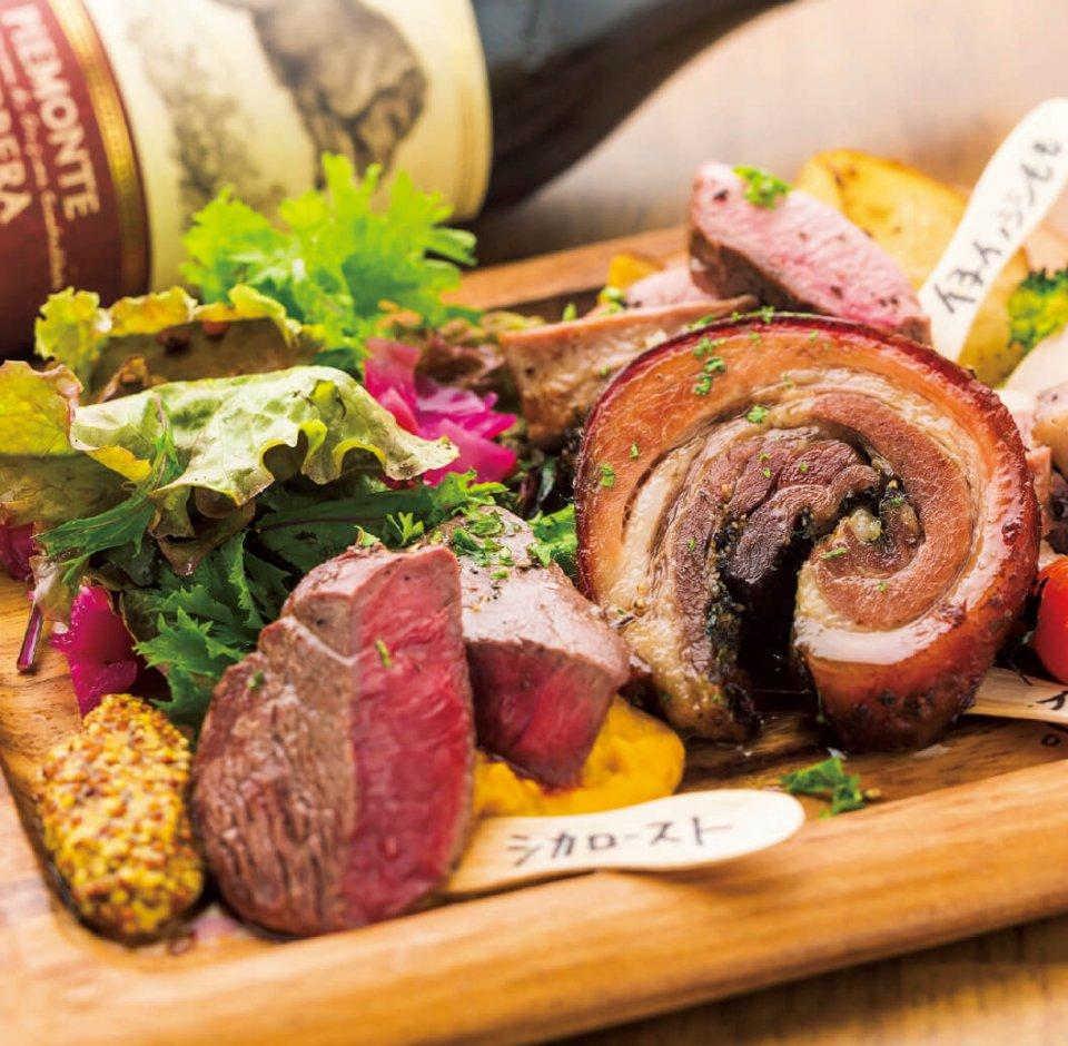 肉そのもののおいしさを引き出すべく、オリーブオイルやマスタードなどのシンプルな味付け。フランスやイタリアの食の専門家も「臭みがなく、食感がやわらかいのはなぜ?」と驚くクオリティーだ
