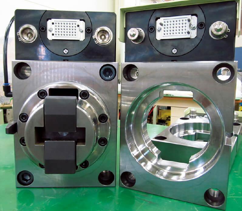 大型プレス機械のステージを脱着・固定する「バーコネクター」は、国内では同社だけが製造する
