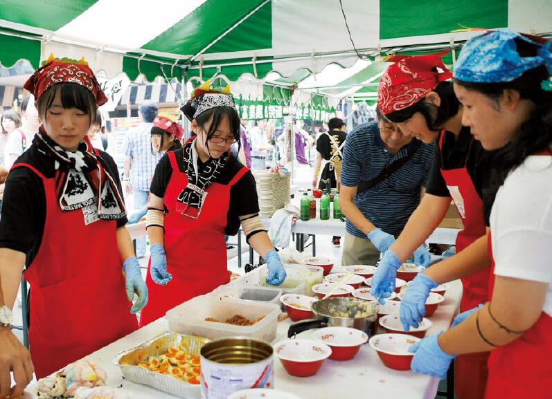 長岡YEGが昨年開催した第6回大会には11校14チームが参加。約8000人の来場者でにぎわいをみせた。今年は7月23日に開催する