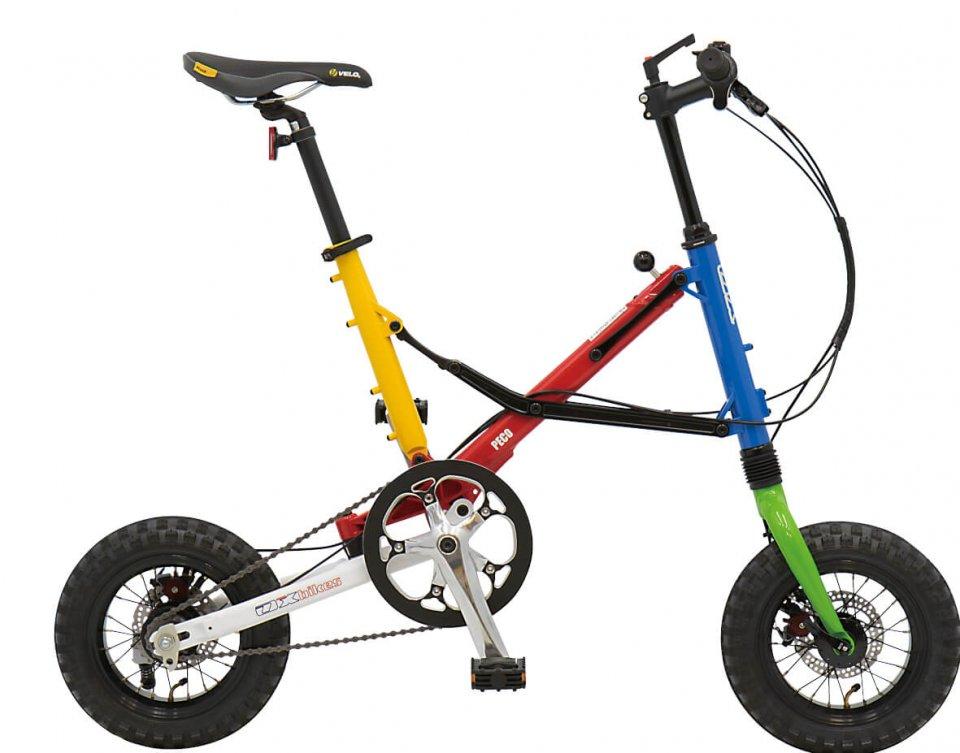 競技用車いすで培った技術はオンリーワンの日常用車いすに生かされ、さらに折りたたみ自動車「peco」の開発・製造へと発展させている