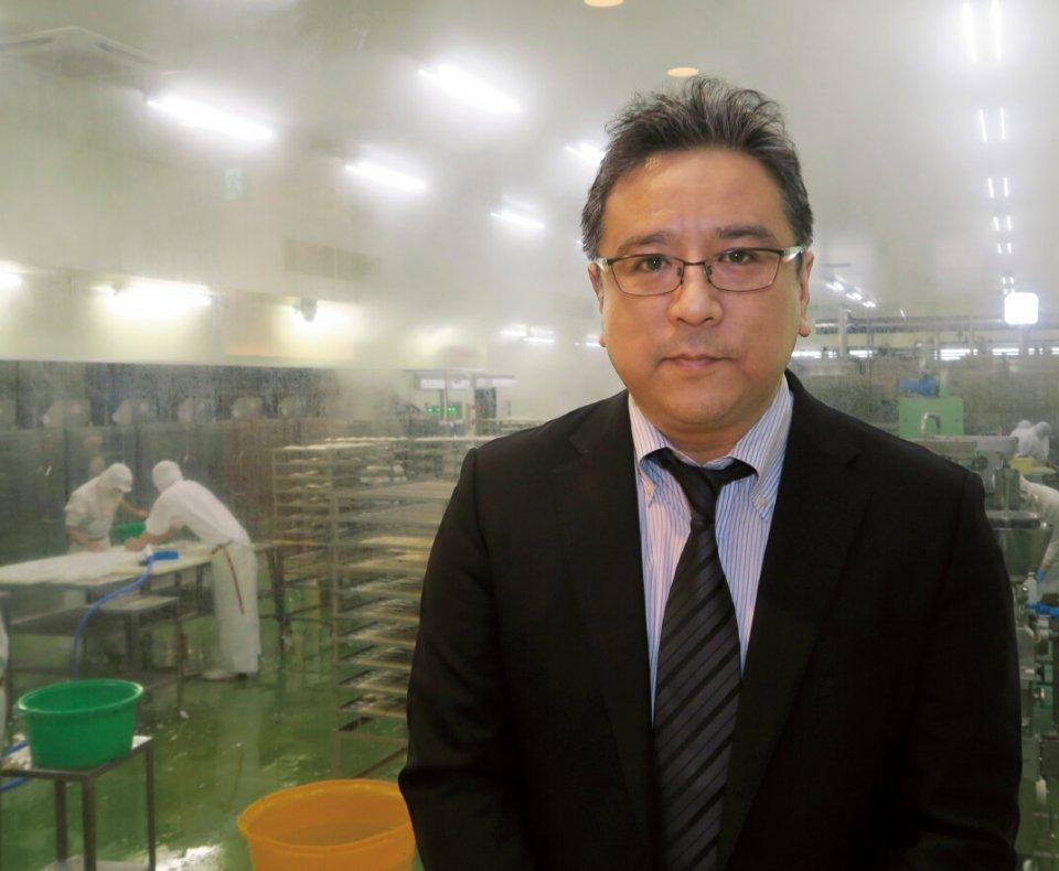 かま栄社長の佐藤公俊さん。「味に関して地元のお客さまは手厳しいですが、そのお客さまに育てていただいていると思っています」