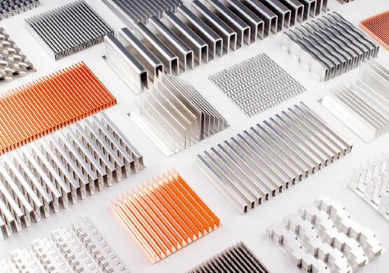 最上インクスが今力を入れている、薄板金属フィンと呼ばれる放熱パーツの試作品