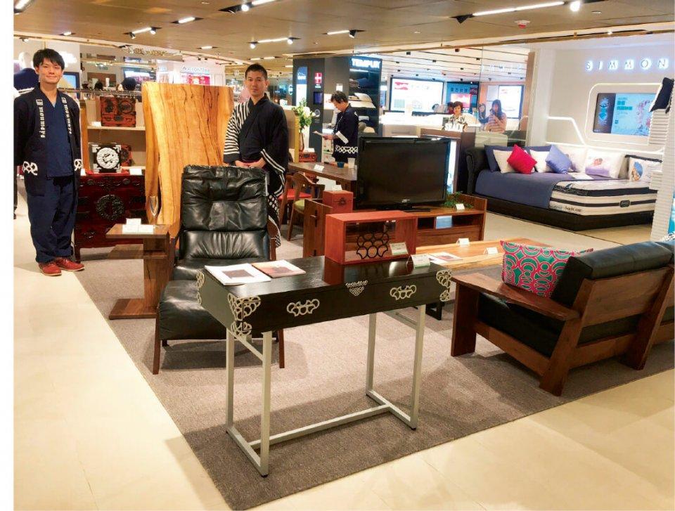 海外の百貨店での短期販売も行っている。香港では半年間限定の常設店舗を設置
