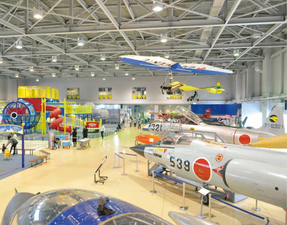 小松空港横に立地する「石川県立航空プラザ」