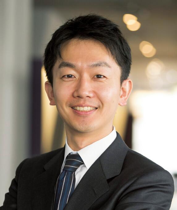 山本 雄士(やまもと・ゆうじ) 株式会社ミナケア代表・医師 999年東京大学医学部を卒業し循環器内科医として勤務。2007年日本人医師として初めてハーバードビジネススクール修了(MBA)。その後、科学技術振興機構、内閣官房、慶應義塾大学客員准教授などを経て、現在ソニーコンピュータサイエンス研究所リサーチャー、慶應義塾大学非常勤講師、厚生労働省参与を兼任。2014年日本起業家賞受賞。また、教育活動として山本雄士ゼミを主宰している。共著書に『投資型医療』(2017、ディスカヴァー・トゥエンティワン)など出版物も多数
