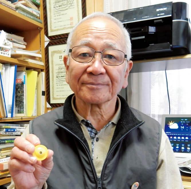 「今では金型づくりを卒業し、発明1本でやっています。小さい会社だからこそできるものづくりをしていきたい」と語る高橋健司さん