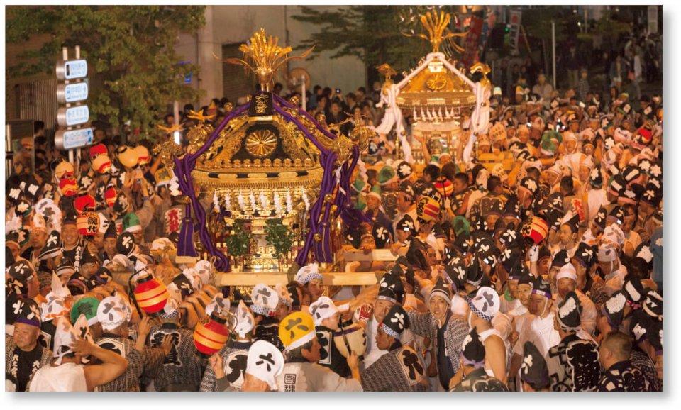 例年70万人をも超える規模のくらやみ祭り