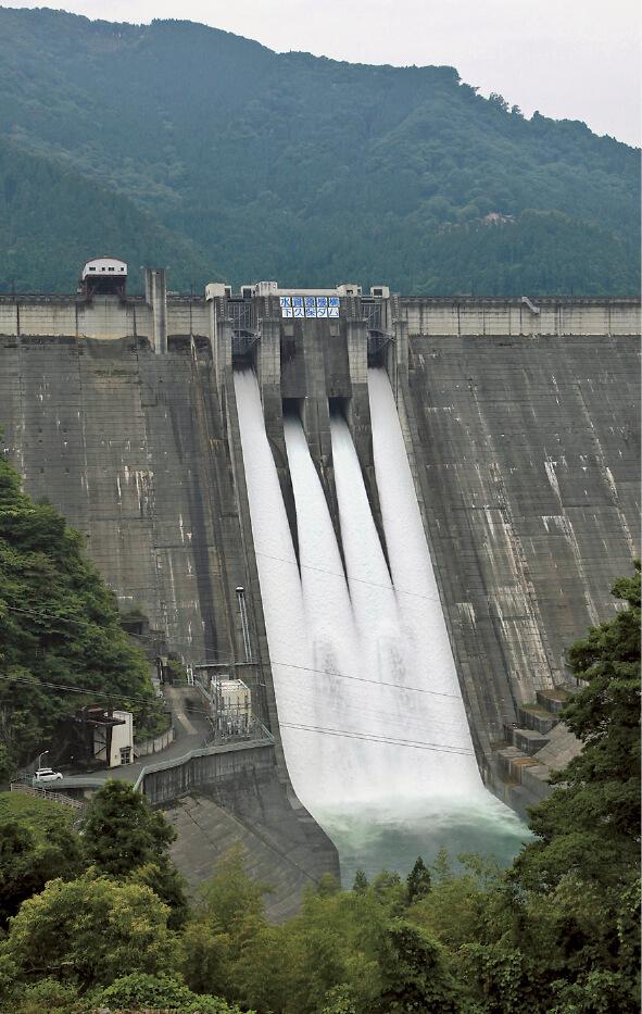 神流川に建設された「下久保ダム」