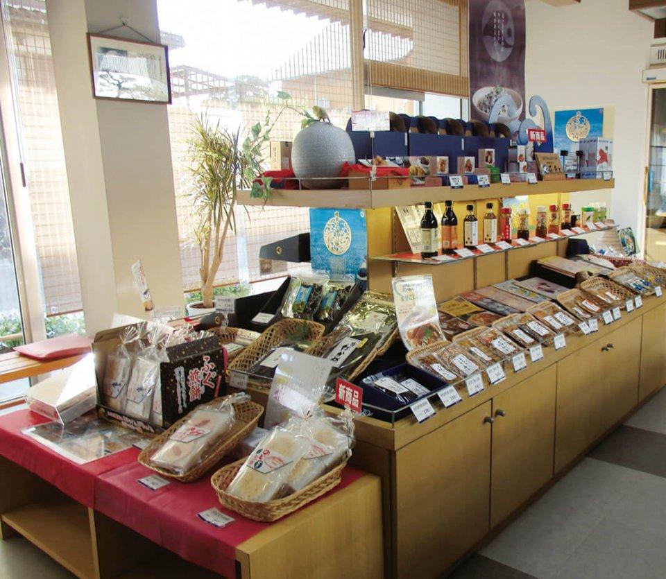 本社建物にある直営店。ほぼすべての商品が並ぶ。ここはバイヤー向けのショールームでもある