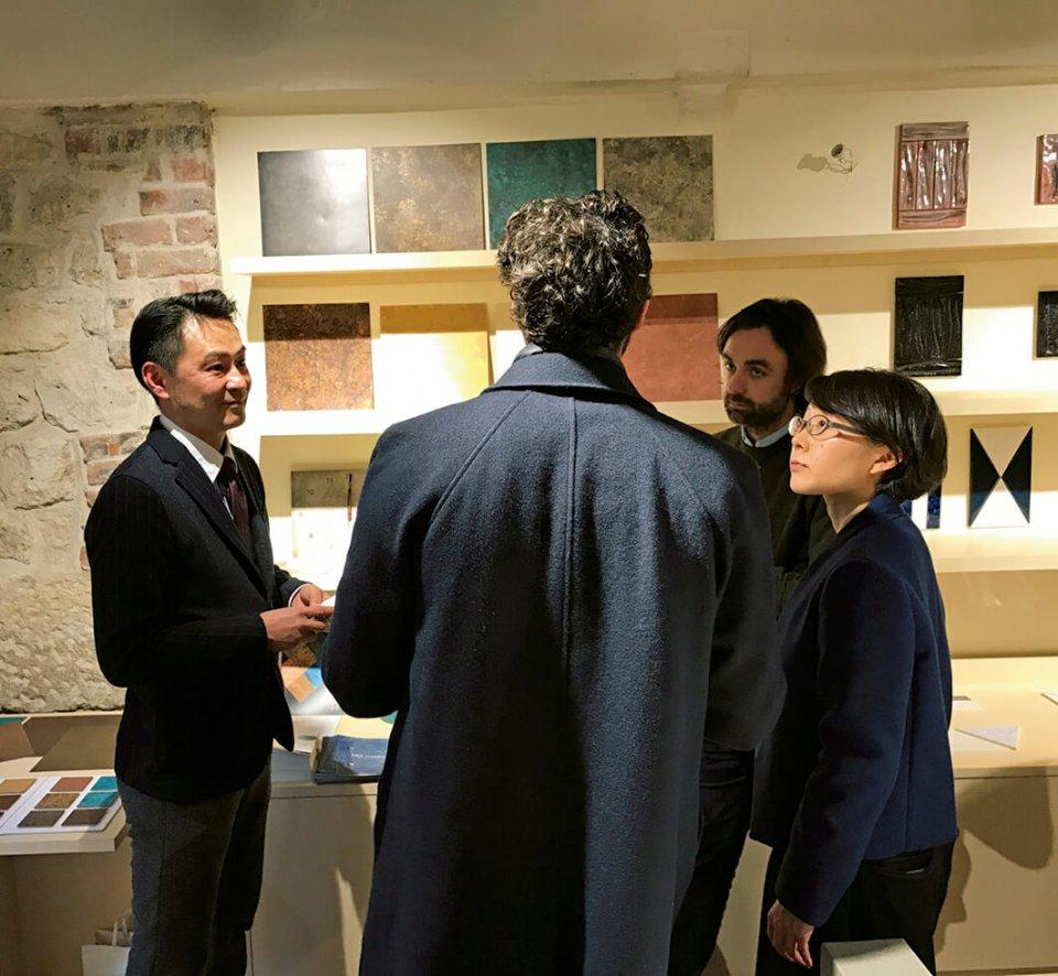 パリ・マレ地区に拠点を置き、日本の優れたものづくりを発信している「アトリエ・ブラマント」。折井さんは2017年1月に展示会を開催し、注目を集めた