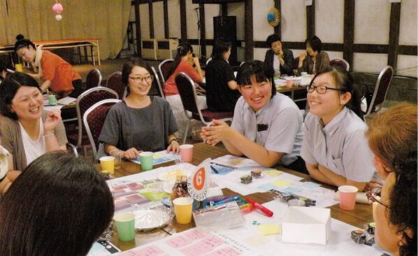 昨年8月に行われた「せんまや100人女子会」。多彩なアイデアが出された