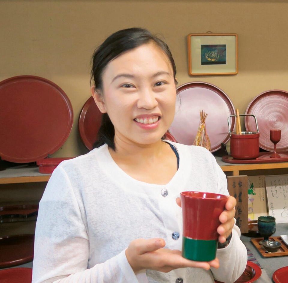 5代目後藤孝子さん。「質の良い漆は抗菌作用があるので、食器として安心して使っていただけます」
