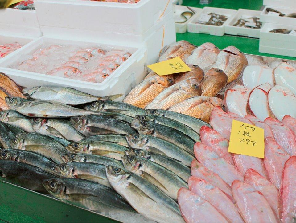 きむらの看板商品である鮮魚。プロの目で仕入れ、プロとして売り切るというポリシーで、売り方も店舗ごとに工夫を凝らしている