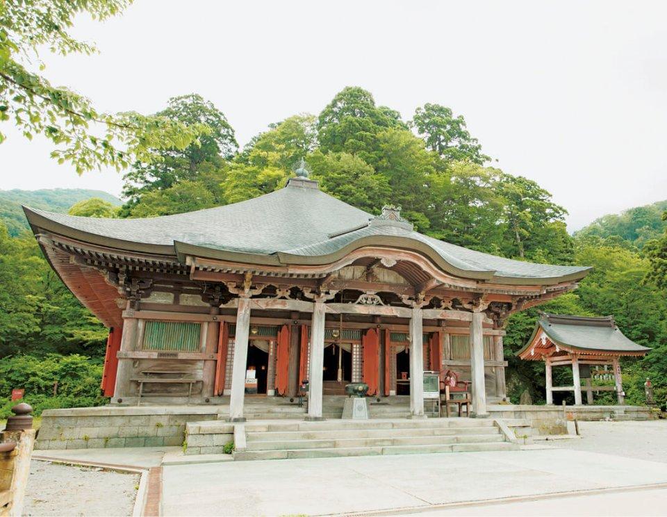 大山栄華の歴史の象徴「大山寺本堂」©鳥取県