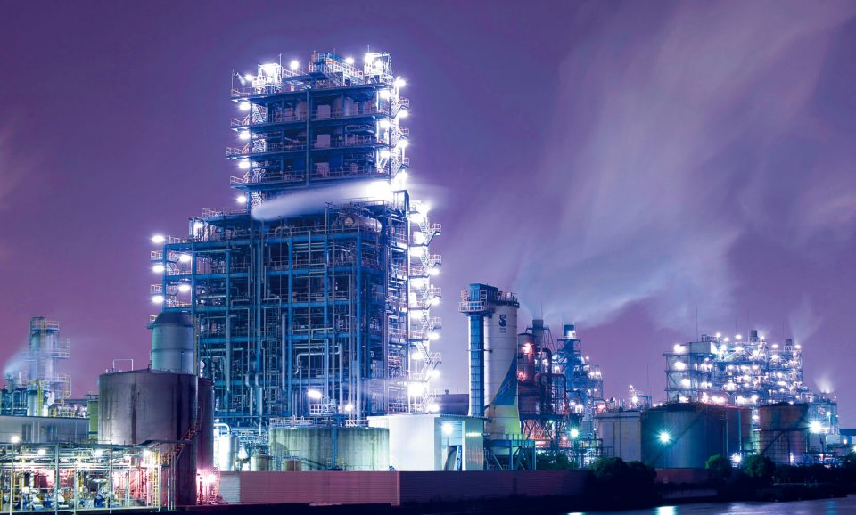 東京湾沿いに広がる川崎の工場夜景は、定期的に観光ツアーが開催される川崎市の人気スポット