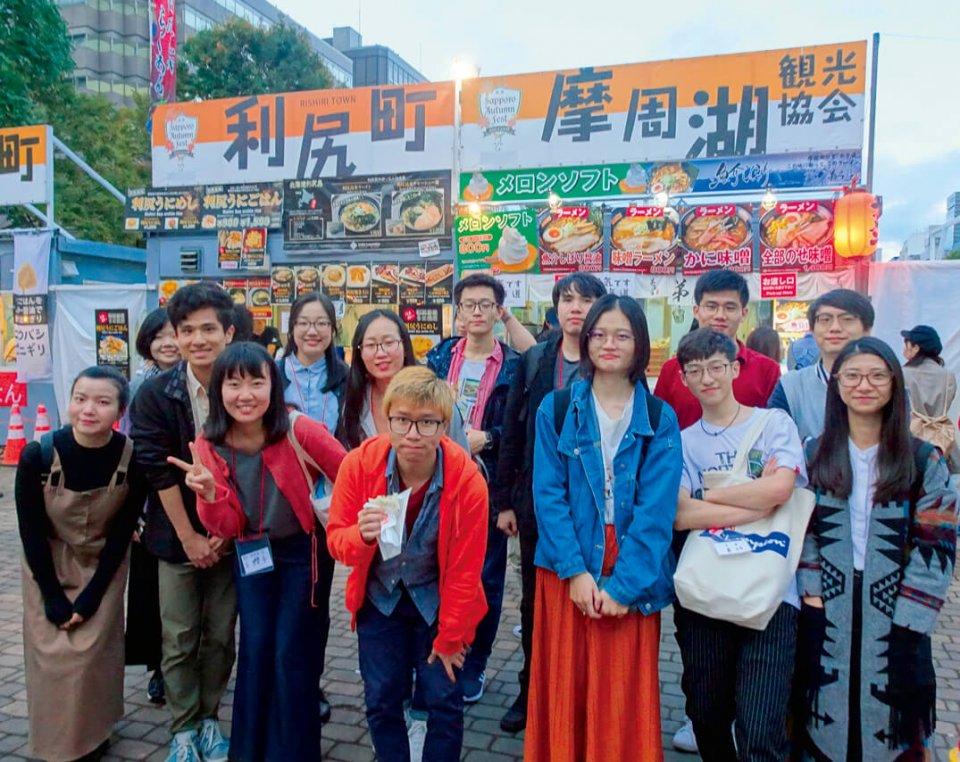 中国、香港、台湾からの留学生をイベントに招待