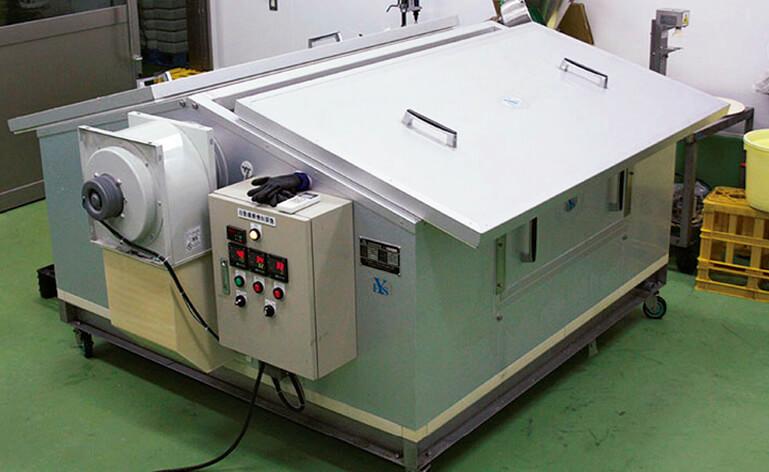 製麹(せいぎく)機を新たに1台導入するにあたり、工場内の動線も変えて、新たなスペースをつくった