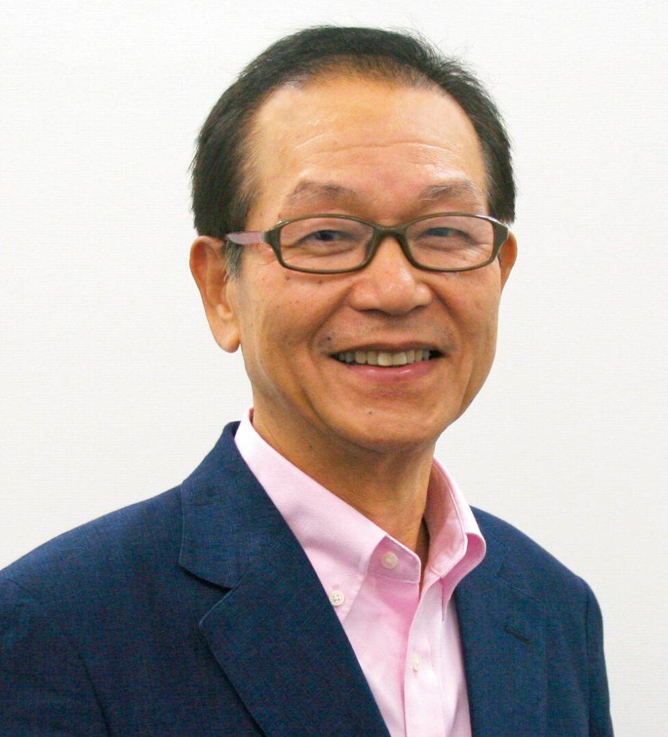 鈴木 政次 (すずき・まさつぐ) 赤城乳業 元常務取締役 開発本部長 1946年茨城県生まれ。70年東京農業大学卒業後、赤城乳業に入社。1年目から商品開発部に配属され、その後一貫して商品開発に携わる。「ガリガリ君」「ガツン、とみかん」「ワッフルコーン(大手コンビニPB)」「BLACK」など、数々のヒット商品を世に送り出し、国民的ロングセラーに育てた。現在、「ヒット商品の育て方」や「強小カンパニーの創り方」などをテーマにした講演活動を幅広く展開し、「講演依頼.com」で講演依頼数1位を誇る。著書に『スーさんの「ガリガリ君」ヒット術』(ワニブックス)など