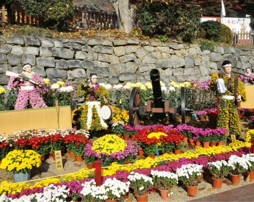 二本松の菊人形。会場は二本松城跡の「霞ヶ城公園」