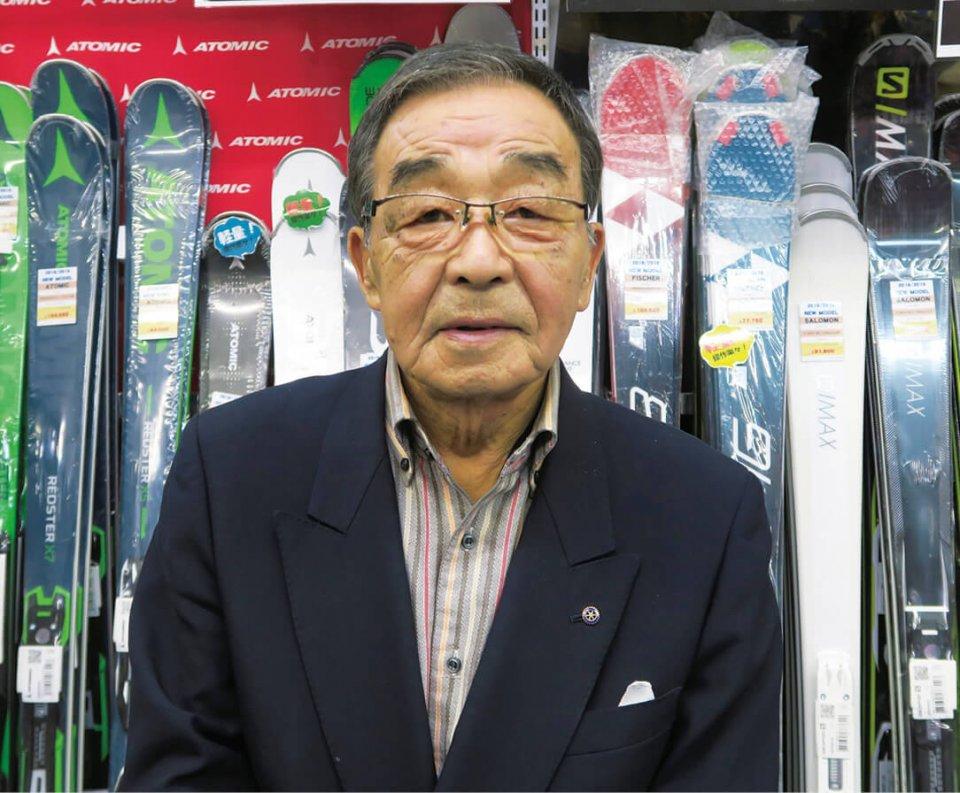 オオイワスポーツ代表取締役会長の大岩紘さん。「お客さんの満足度を高めるという商売の原点を大切にすれば、経営は長続きします」