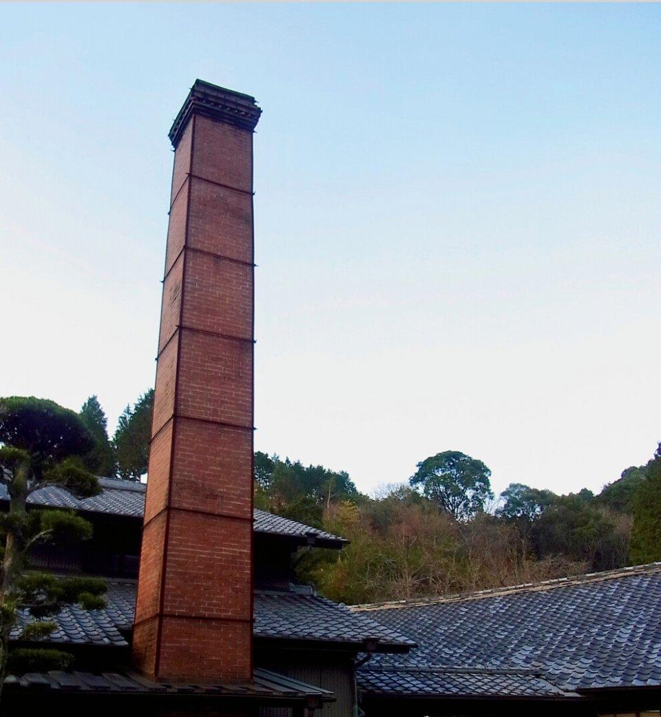 有田焼窯元・源右衛門窯、各工程で熟達陶工が心を込めて制作