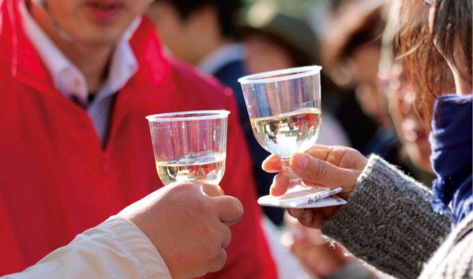 開会前に行われた「乾杯リレー」