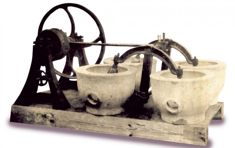 日本初の動力式精米機