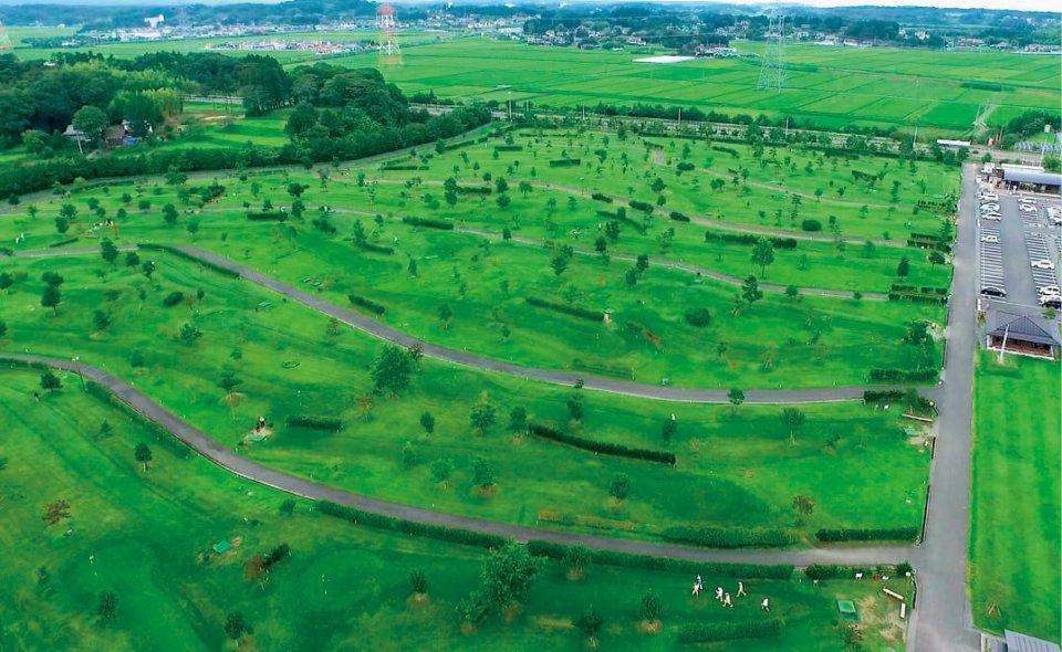 東京ドームの約2.6倍の広さがある相馬向陽パークゴルフ場は、初心者から上級者まで楽しめる
