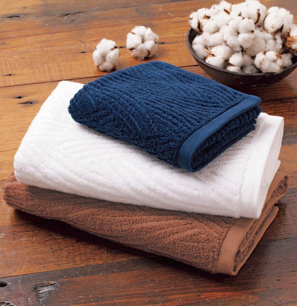 日本製タオルとして、国内初のフェアトレード認証を受けた「1秒タオル」。セネガル共和国のフェアトレードコットンを使用している