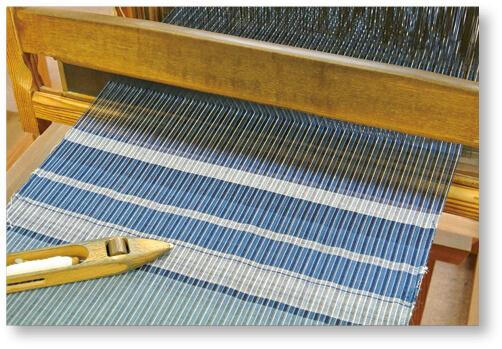 松阪木綿:松阪商人が江戸で販売し、当時大流行。藍染の色と縞模様は粋な風合いで、今でも人気