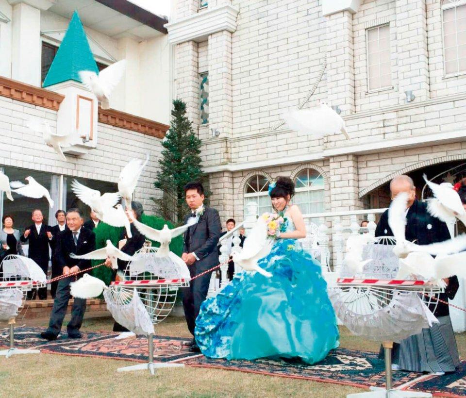 マリアージュ吉野の人気プラン、ホワイトピジョンセレモニー(白い鳩を飛ばす儀式)