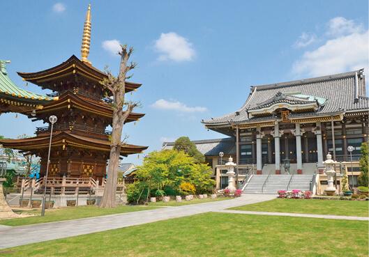 三学院:新義真言宗智山派の寺院、平安時代創建と伝えられる。徳川家康から朱印状を与えられ、幕末まで蕨宿内に寺領があった