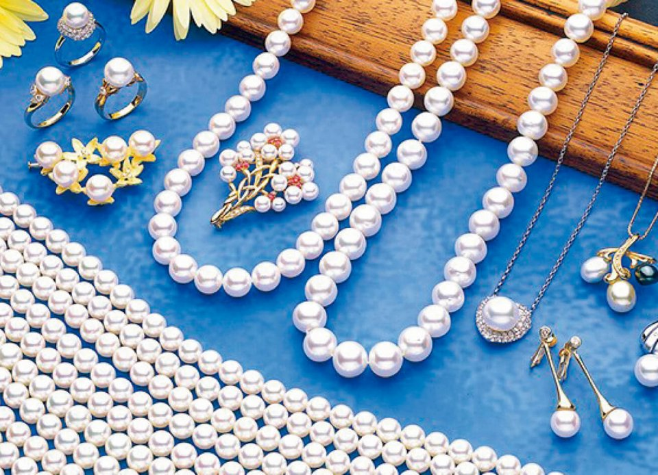 宇和島真珠:宇和海の恵まれた自然が育む良質な真珠。その品質は世界も認める。生産額・生産量は日本一