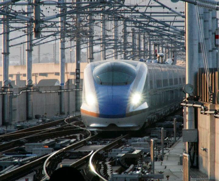 ビジネスと観光の両面を支える北陸新幹線
