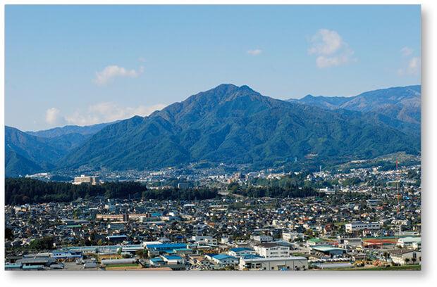 飯田市のシンボル風越山(かざこしやま)