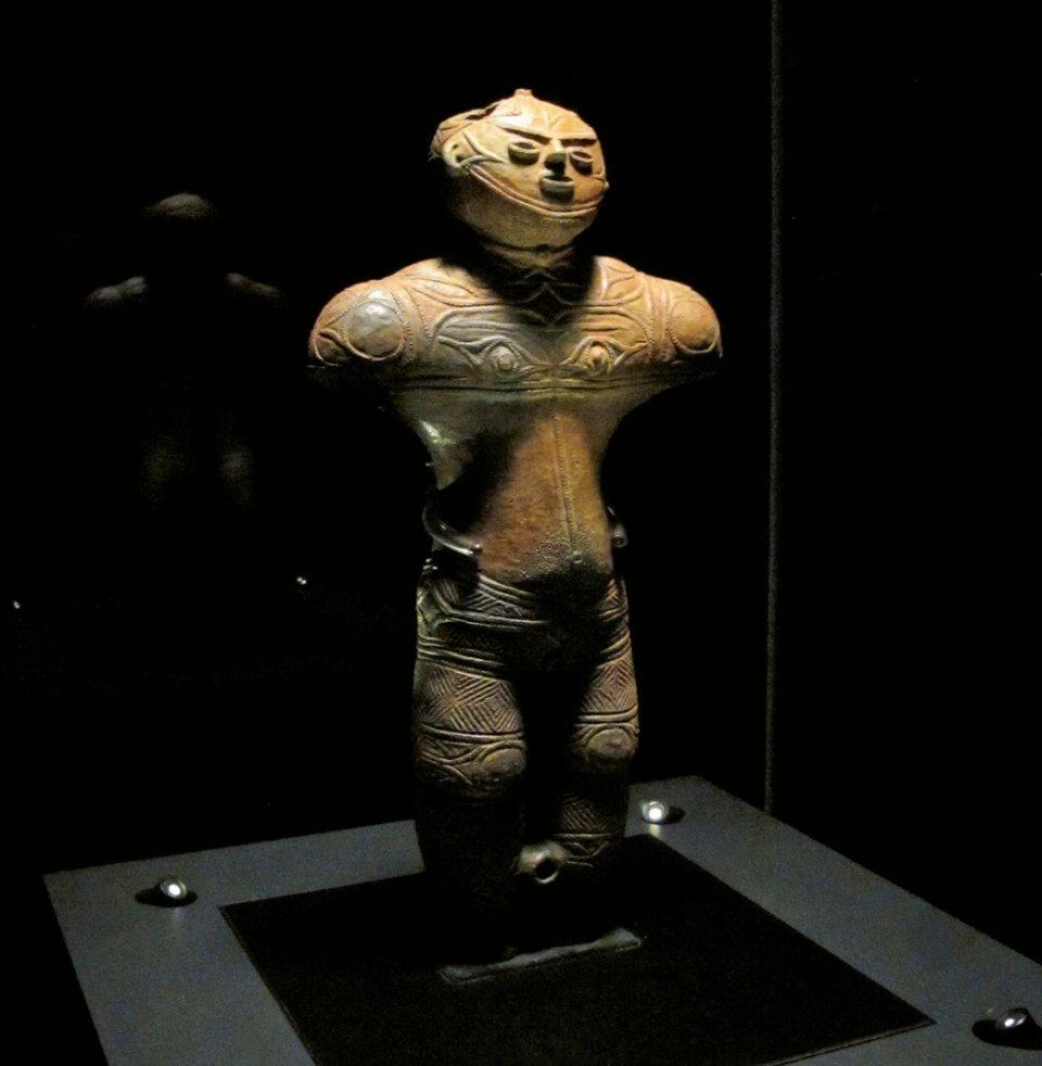 北海道唯一の国宝に指定され、縄文遺跡のシンボルともいうべき土偶。内部が空洞で「中空土偶」とも呼ばれる(写真提供/函館商工会議所 協力/函館市縄文文化交流センター)