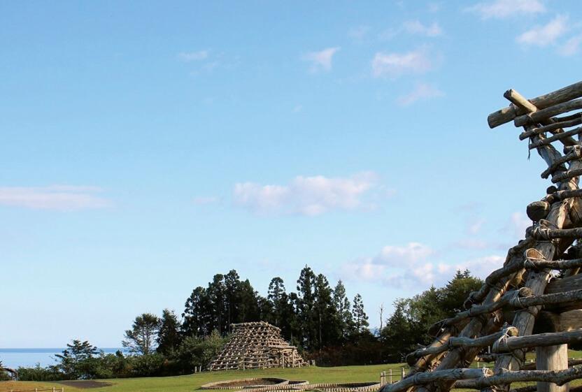 大船遺跡は、縄文時代前期後半から中期後半(紀元前3200年〜紀元前2000年頃)の大規模な集落遺跡。(写真提供/函館商工会議所 協力/函館市縄文文化交流センター)