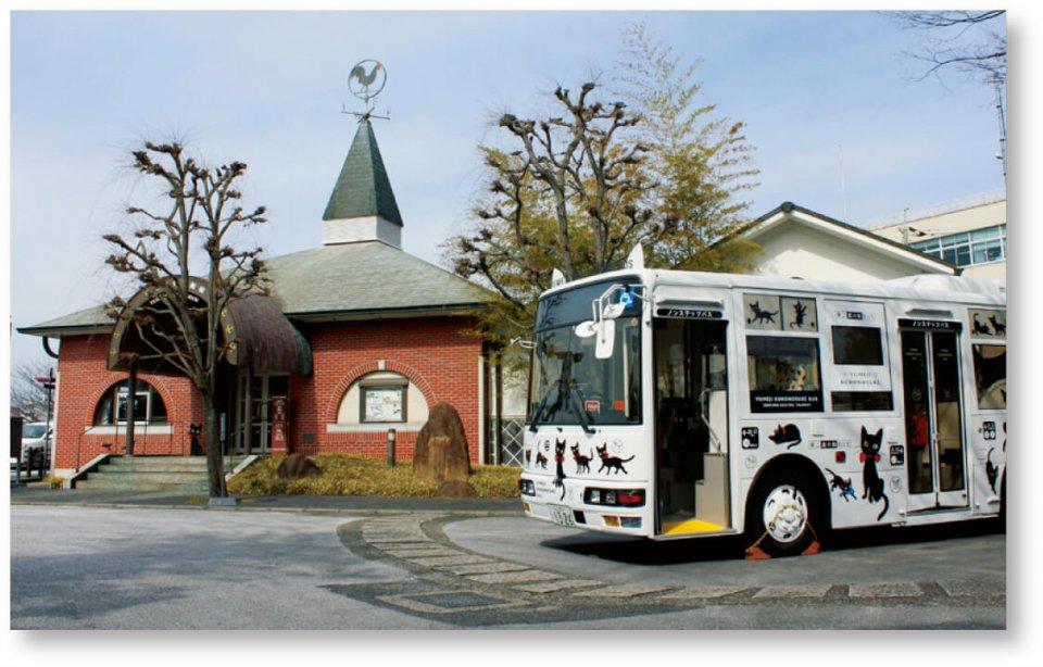 夢二郷土美術館:岡山県出身の画家・竹久夢二の作品を集めた本館は、両備グループが経営