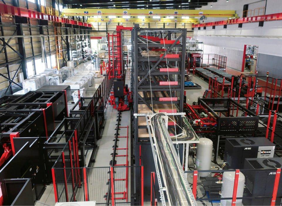 新工場は、延べ床面積約3800㎡の組み立て工場と同約1900㎡の部品工場からなる