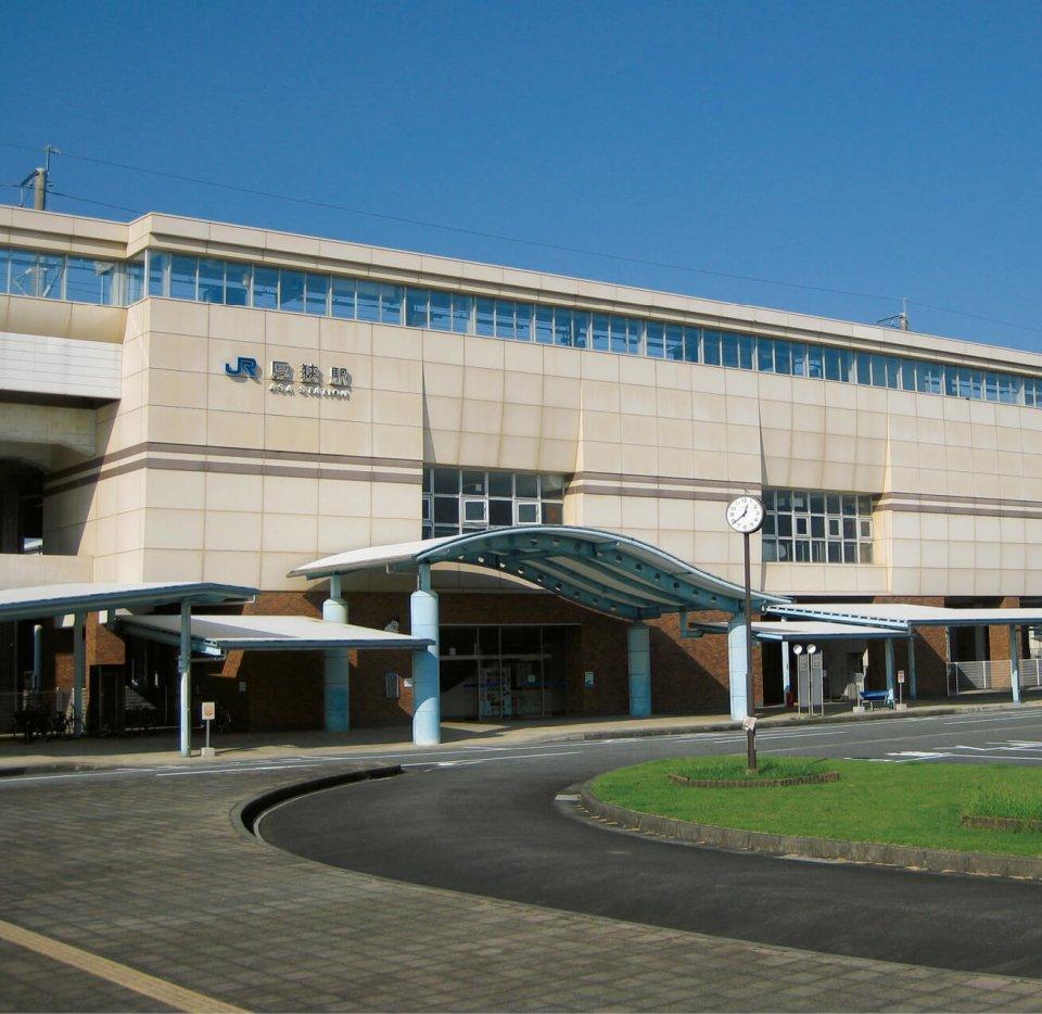山陽小野田市の顔、1999年に開業した新幹線厚狭駅