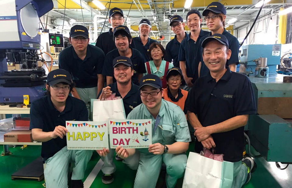 社員の誕生日会は、月単位ではなく、各人の当日に実施。社員を大事にする会社の姿勢が見てとれる