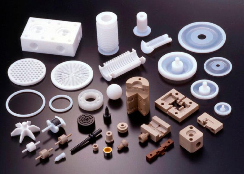 同社がつくった数々のフッ素樹脂製品は幅広い分野で活用されている