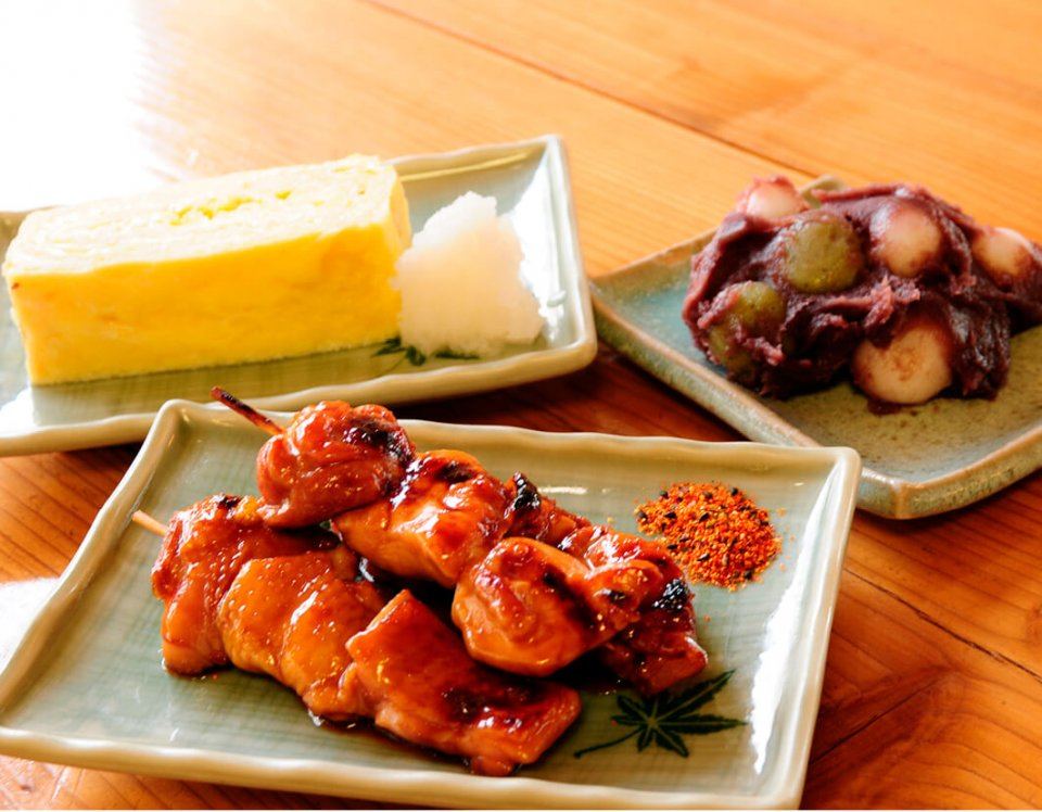 太平山三大名物の卵焼き、焼き鳥、団子