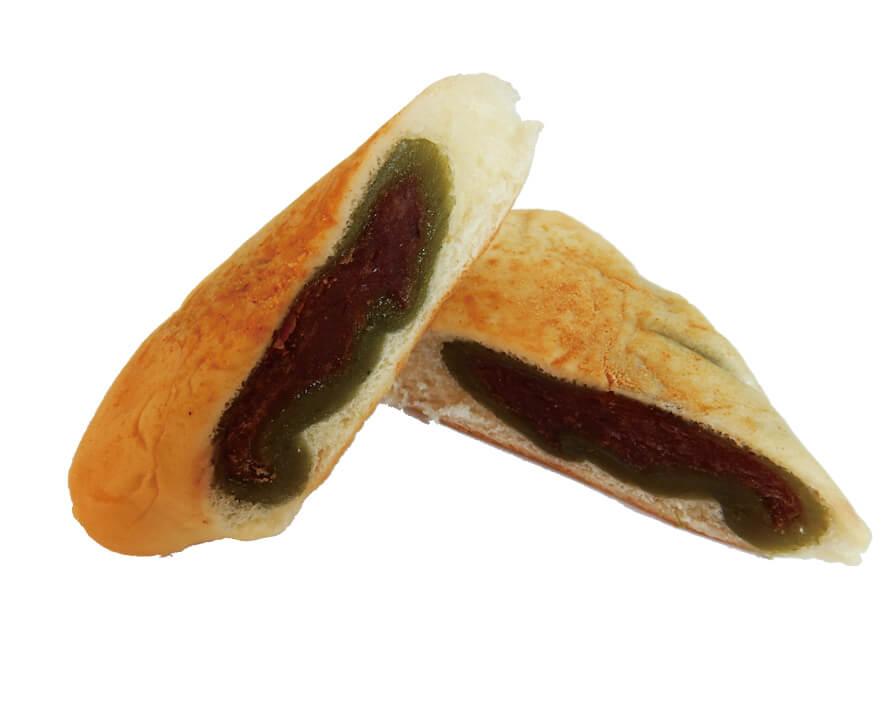 一つで2度おいしい「笹だんごパン」。商品の大きさとパッケージのイラストがピッタリ合っていることで、見た目のかわいらしさも倍増。1個180円(税別)