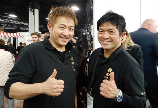 高村刃物製作所の高村光一代表(右)と弟の日出夫さん