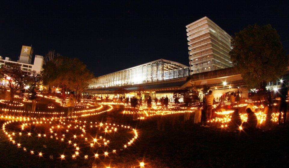 「ひゅうがの灯り2019」。フォトコンテストも開催し、作品は昨年12月28日から今年1月14日まで日向市駅駅舎などに展示された